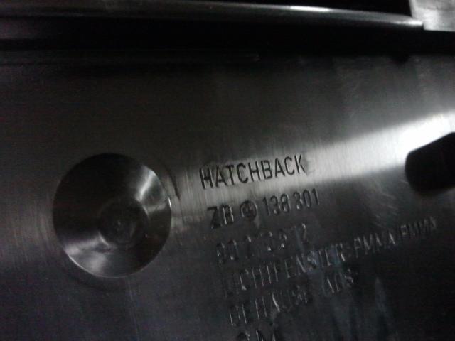Suporte de placa para o hatch.