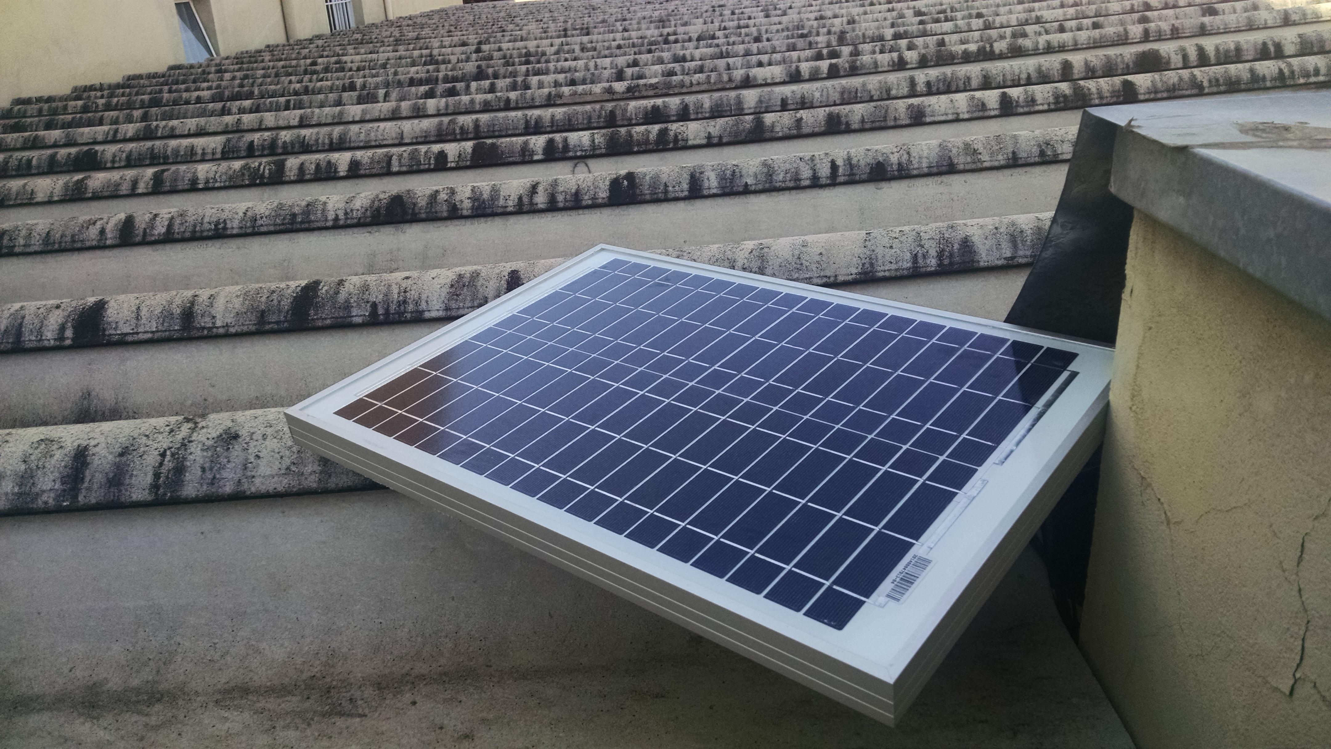 Como manter as baterias carregadas usando energia solar for Baterias placas solares