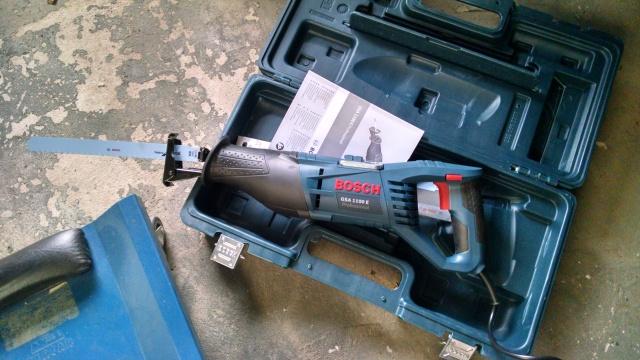 Serra Sabre e lâminas para cortar aço